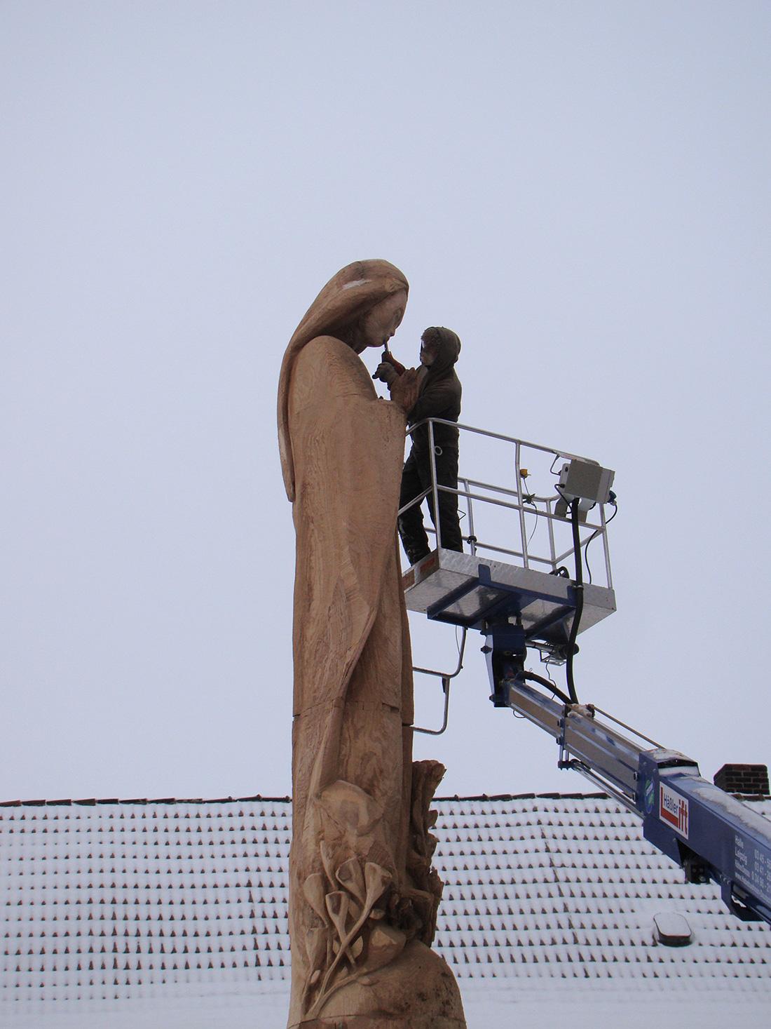 Virgin Mary Sculpture